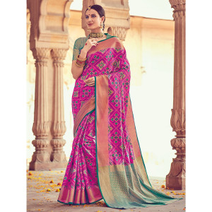 Stylee Lifestyle Full Geometric Jacquard Woven Design With Jacquard Blouse Magenta Saree with Green Blouse for Wedding, Party and Festival